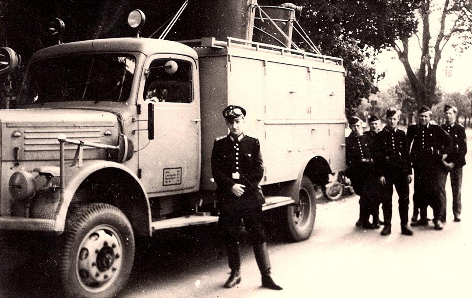 1944_03